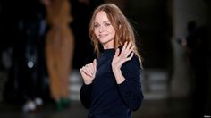 File - british designer stella mccartney appears at the end of her fall/winter 2017 Paul Mccartney Daughter, Fashion Brand, Fashion News, Fashion Fashion, World News Today, Toddler Art, Fashion Articles, Stella Mccartney Adidas, Ethical Fashion