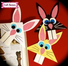 Bunny page corner Toilet Paper Roll Crafts, Paper Crafts For Kids, Diy Arts And Crafts, Diy For Kids, Fun Crafts, Creative Bookmarks, Corner Bookmarks, Bookmark Craft, Origami Bookmark