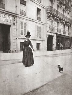 La Madame et son chien, Paris. Antique Photos, Vintage Pictures, Vintage Photographs, Old Pictures, Vintage Images, Old Photos, Vintage Dog, Vintage Paris, French Street