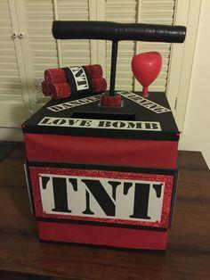 TNT dynamite Valentine's Day box. TNT dynamite Valentine's Day box. Homemade Valentine Boxes, Valentine Boxes For School, Kinder Valentines, Unicorn Valentine, Cute Valentines Day Gifts, Valentines For Boys, Valentinstag Party, Balloon Box, Westerns