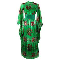 1970's Mollie Parnis Emerald-Green Print Silk Winged Kimono-Sleeves Dress Gown