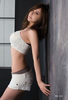 [Ryu Ji Hye] 2014.3.31#2 - April Album Supplements.jpg flvsmhiv2