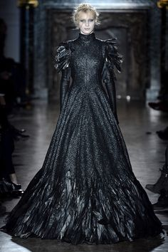 ZsaZsaBellagio.com #raven queen