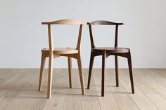 A new favorite of mine. The beautiful and elegant Lagarre chair by Japanese company Hirashima Inc. Somewhat reminiscent of the famous Bull Horn chair by Hans Wegner. Classic Furniture, Unique Furniture, Cheap Furniture, Furniture Storage, Contemporary Furniture, Furniture Websites, Scandinavian Furniture, Urban Furniture, Luxury Furniture