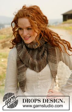 """Sandstone - Knitted DROPS shawl in garter st with stripes in """"Fabel"""". - Free pattern by DROPS Design"""