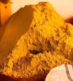 हल्दी के फायदे - Benefit of Turmeric - Haldi Health And Beauty, Health And Wellness, Health Fitness, Fitness Tips, Low Glycemic Diet, Sicilian Recipes, Oatmeal Recipes, Protein Foods, Natural Medicine
