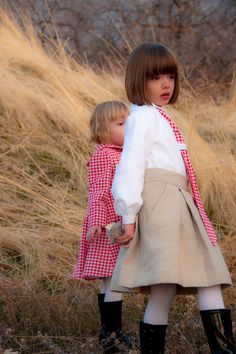 Aesthetic Nest: Sewing: Christmas Clothes for Audrey and Tess