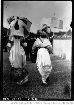 Mode à Longchamps : [photographie de presse] / Agence Meurisse - 1912