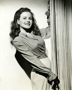 Jeanne Elizabeth Crain (May 1925 – December American actress. Old Hollywood Stars, Golden Age Of Hollywood, Vintage Hollywood, Hollywood Glamour, Hollywood Actresses, Classic Hollywood, Actors & Actresses, 1940s Actresses, Dorothy Dandridge