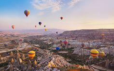 Eine Balloonfahrt über die Tuffsteine von Kappadokien ist ein atemberaubendes Erlebnis
