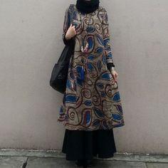 17 ideas fashion model black inspiration Source by dress Fashion Mumblr, Moslem Fashion, Batik Fashion, Abaya Fashion, Modest Fashion, Fashion Dresses, Blouse Batik, Batik Dress, Batik Blazer