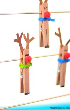 Basteln für Weihnachten: Rentier Christmas craft idea for children with wooden clips: reindeer with a red nose made of pompom balls and a colorful scarf made of wool Sweet also as a small present or Christmas present paint # Bastelspaß Preschool Christmas, Christmas Ornament Crafts, Christmas Activities, Christmas Crafts For Kids, Simple Christmas, Kids Christmas, Holiday Crafts, Reindeer Christmas, Reindeer Craft