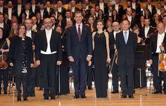 Don Felipe y doña Letizia inauguran los actos de los primeros Premios Princesa de Asturias - 2015