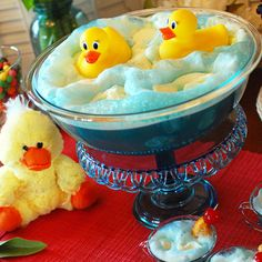 DIY Ducky Punch [Baby Shower Ideas] & many other party ideas. Wish I had the ducky idea when I had Samantha's baby shower! She loves rubber duckys! Baby Shower Punch, Rubber Ducky Baby Shower, Baby Boy Shower, Baby Shower Gifts, Baby Gifts, Food For Baby Shower, Rubber Ducky Punch, Baby Shower Cakes Neutral, Baby Shower Decorations Neutral