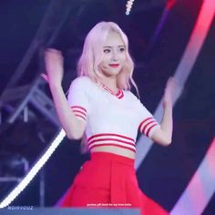 Credits to owner Korean Aesthetic, Aesthetic Videos, What Gif, Chuu Loona, Au Ideas, Pop Photos, Stage Outfits, Seohyun, Meme Faces