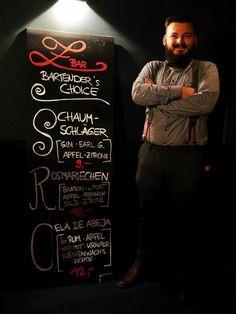 FRAGE ❓Was haben Schaumschläger, Rosmariechen und Cela de Abeja gemeinsam ??? Es ist Joshi's Bartender Choice für Euch in der Z Bar Offenburg 😍 Wochenende wieder bis 5 Uhr am Start 💜