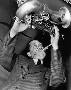 """Lester Young: """"This bitch to Fletcher's wife would take me down to the basement to the old windup phonograph and ask me, """"Lester, can't you play like this?"""" Coleman Hawkins things. That bitch would wake me up at nine o'clock to try to teach me to play like Hawkins. And she played trumpet herself – circus trumpet! I had in mind what I wanted to play, and I was going to play that way. That's the only time that ever happened, someone telling me to play differently from the way I wanted to."""" ♪"""