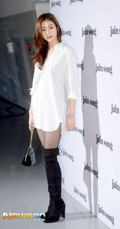 [Photos] Kang So-ra's 105 cm legs @ HanCinema :: The Korean Movie and Drama Database