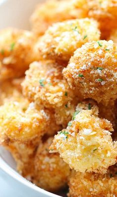 Parmesan Cauliflower- I love cauliflower! Making smarter food choices can be a yummy thing ;)