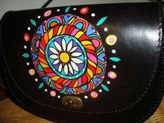 (10) Virginia White - Accesorios de Cuero Pintado a Mano   via Facebook