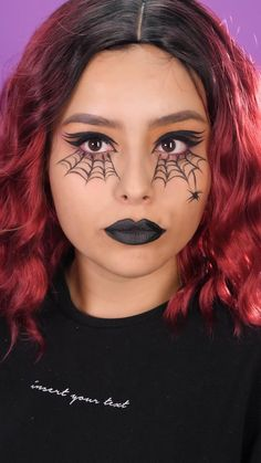 Ideas para maquillar tus ojos en Halloween - Make up Ideen - Amazing Halloween Makeup, Halloween Looks, Diy Halloween Makeup, Kids Witch Makeup, Batman Halloween, Creepy Halloween Costumes, Girl Halloween, Halloween Recipe, Halloween Desserts