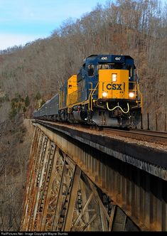 The annual running the CSX Santa Train, crosses the Copper Creek Viaduct; which was constructed in 1907 by the Clinchfield Railroad. Railroad Bridge, Railroad Tracks, Train Tracks, Train Rides, Ouvrages D'art, Csx Transportation, Tramway, Railroad Pictures, Rail Transport