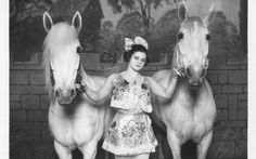 'Circus and the City' at Bard Graduate Center Galleries - NYTimes.com