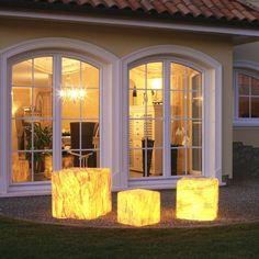 Kostka Sahara - lampa zewnętrzna. Więcej informacji: http://www.lampy.pl/Kostka-Sahara-z-przylaczem-gumowym.html