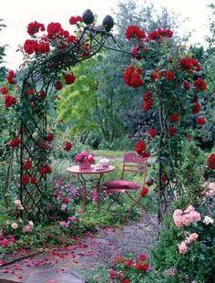Garden Arches & Rose Arches - Victorian Arch Kiftsgate