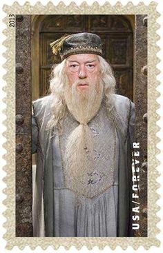 Harry Potter stamps unveiled exclusively on KLG and Hoda Harry Potter Food, Harry Potter Halloween, Anniversaire Harry Potter, Harry Potter Collection, Harry Potter Wallpaper, Stamp Collecting, Colouring Pages, Postage Stamps, Hogwarts