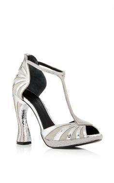 Sandália de couro cor prata
