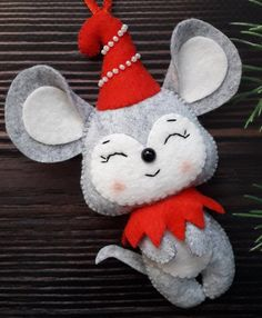 Excited to share the latest addition to my shop: Christmas felt mouse Christmas mice Mouse ornament Cute Mouse Christmas ornaments Year of the rat Gray felt rat Felt rat Felt Christmas Decorations, Cute Christmas Gifts, Christmas Tree Toy, Christmas Ornament Crafts, Christmas Sewing, Felt Ornaments, Handmade Christmas, Ornaments Ideas, Xmas