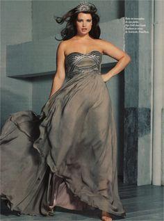 Tara Lynn in the March 27 issue of Paris Match