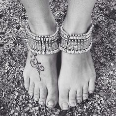 """Boho chic anklet AND bracelet Bohemian silver style can be worn as bracelet and anklet, depending on your style - such an amazing piece // Measures 6.5"""" and is adjustable up to 8.5"""" // brand new in plastic // never been worn // wear stacked or solo, try it on your ankles or wrists for a new look- it's hot hot hot // the more you own, the more options you have! ✨Listing is for 1 piece ✨open to offers! ✨This is not free people brand, but a great discounted tagless style (for much Less) that I…"""