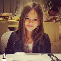 Kristina Pimenova ロシアの完璧美少女「クリスティーナ・ピメノヴァ」ちゃん(8歳)