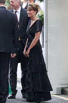 love this dress.  Too much if it were the green of pippa's?