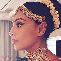 #Repost @bollywood  Unseen : Bengali Bride Bipasha Basu getting ready for her wedding. @Bollywood  .  @themadhurinakhale Makeup by  @Anilc68 #bipashabasu #bipasha #karanwedsbipasha #karanwedsbips #bengal #bengali #karansinghgrover #monkeywedding #monkeysquad #bipashawedskaran #indianbride #indianwedding #indianweddings #bipashakaran #karanbipasha #salmankhan #shahrukhkhan #hairstyle #makeup #Stylefile #celebritystyle #instabollywood #instantbollywood  @BOLLYWOODSTYLEFILE  . For more follow…