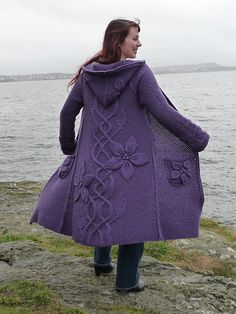 Absolutely LOVE this coat and wear it as much as I can! I have plans of lining it, but haven't found the right fabric yet so I wear it as it is for now.  I had same gauge problem as many othe...