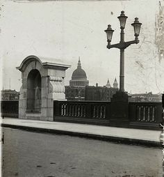 Mirror image...St. Paul's Cathedral from Southwark Bridge, c. 1925...  From...  http://spitalfieldslife.com/2013/01/05/the-bridges-of-old-london/#