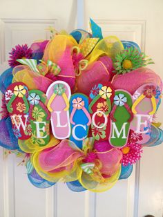 Flip Flops Welcome Summer Wreath by DazzlinDoorzbyKristi on Etsy, Crafts To Make, Fun Crafts, Arts And Crafts, Wreath Crafts, Diy Wreath, Wreath Ideas, Summer Wreath, 4th Of July Wreath, Flip Flop Craft