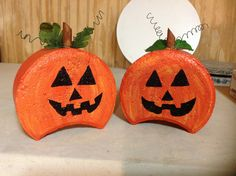 Halloween Jack-o-lantern Pavers Painted Bricks Crafts, Brick Crafts, Painted Pavers, Stone Crafts, Cement Pavers, Concrete Edging, Brick Pavers, Fall Halloween, Halloween Crafts