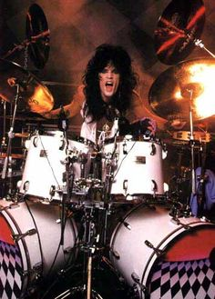 Tommy Lee, one Hell of a drummer