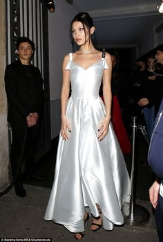 Bella of the ball! Hadid stuns in sweeping ballgown at Dior PFW event #dailymail