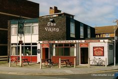 Rhw Viking in Arundel Street, now a block of flats. Portsmouth Pubs, Portsmouth England, Vikings, Britain, London, Street, City, Places, Buildings