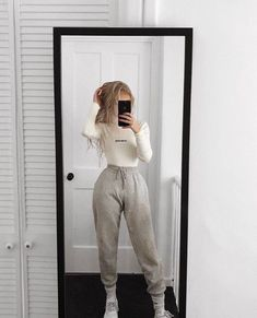 lazy outfits - Image may contain: one or more people, people standing, phone, shoes and indoor - Chill Outfits, Swag Outfits, Mode Outfits, Cute Casual Outfits, Comfortable Outfits, Summer Outfits, Lazy Winter Outfits, Cute Lazy Day Outfits, Grunge Outfits