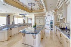 Mediterranean kitchen design – fabulous kitchens with an exotic touch Luxury Kitchen Design, Luxury Kitchens, Cool Kitchens, White Kitchens, Tuscan Kitchens, Open Kitchens, Elegant Kitchens, Kitchen White, Küchen Design