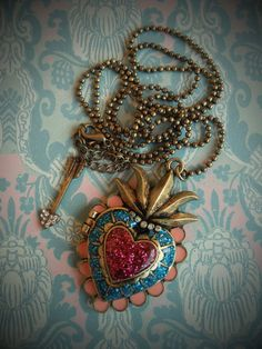 Beautiful Glittery Glitter Sacred Heart Locket par BeautyScars, €11.50