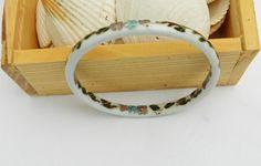 bangle bracelet white cloisonne ceramic 1970s vintage floral motif.
