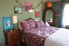 """Now You Can Stay in Bella Swan's House from """"Twilight"""" – Hooked on Houses - nimivo sites Twilight House, Twilight Saga, Room Ideas Bedroom, Bedroom Decor, Oregon, Aesthetic Room Decor, Dream Rooms, New Room, Renting A House"""