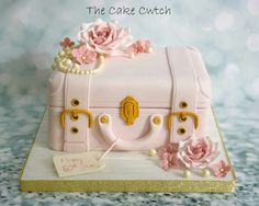 Vintage suitcase birthday cake